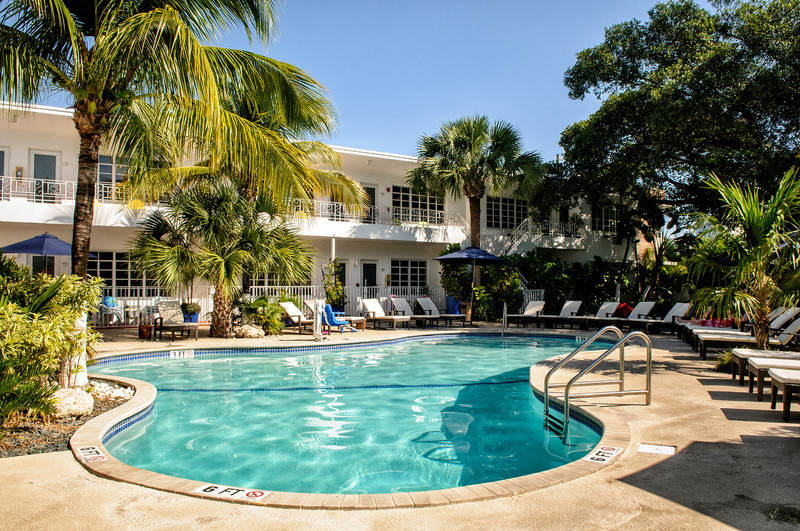 Tradewinds Apartment Hotel Swimming Pool Building View